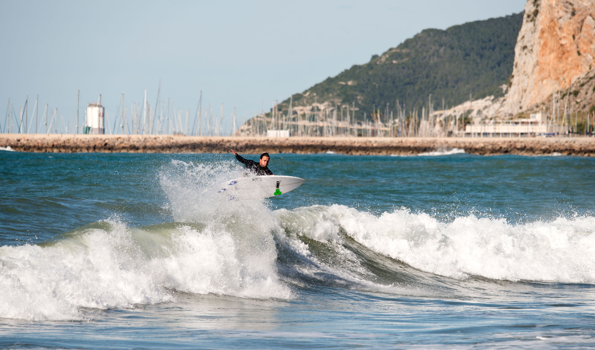 Surfeando Solito En Barcelona Ripping Magazine