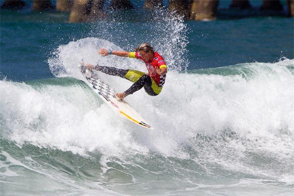 Courtney-Conlogue-reaches-the-quarter-finals-at-Vans-US-Open-of-Surfing-Surfing-news-217893